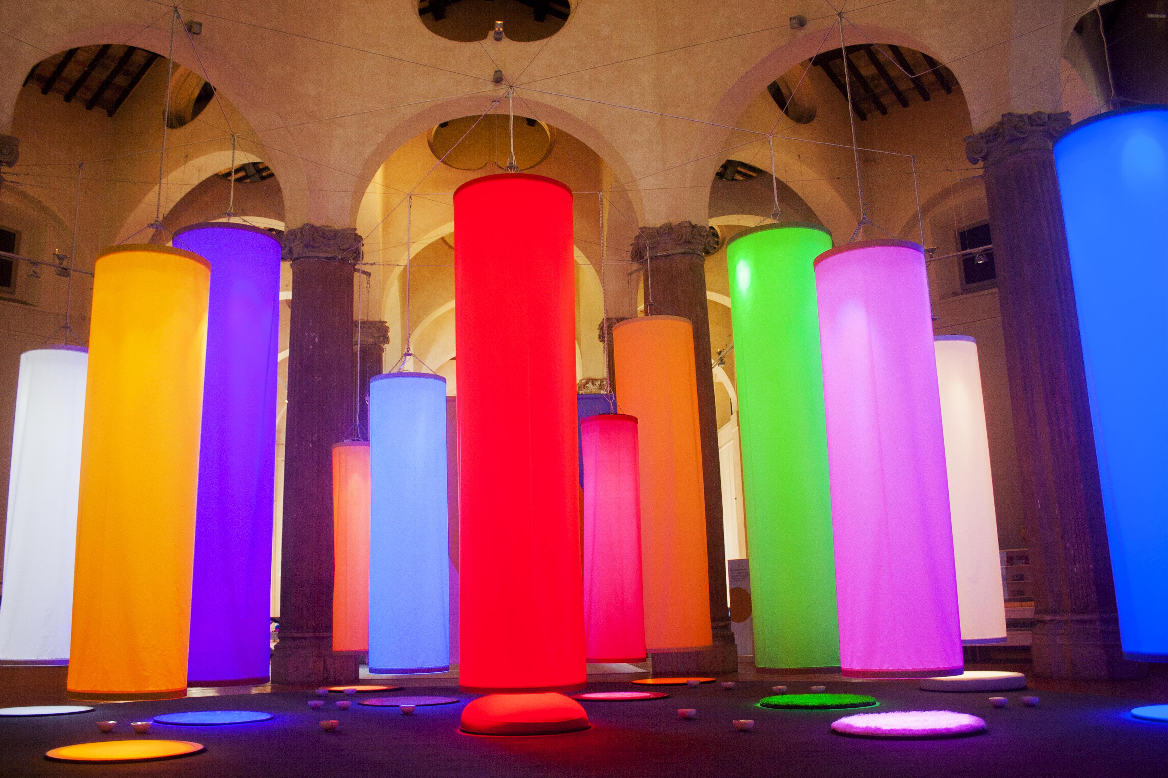 Mostra gioco mostra muba colore milano for Colori del rivestimento della baracca